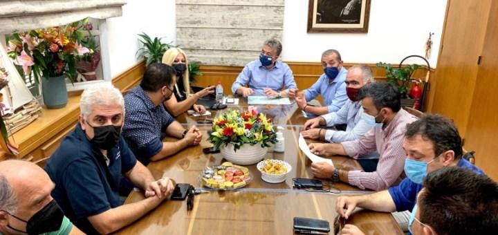Συνάντηση Συνδικαλιστικών εκπροσώπων επιχειρηματιών και εργαζομένων στην εστίαση με τον Περιφερειάρχη Κρήτης