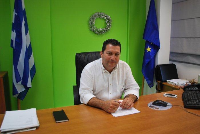 ο Δήμαρχος Χερσονήσου και πρόεδρος του Ε.Σ.Δ.Α.Κ. Γιάννης Μαστοράκης