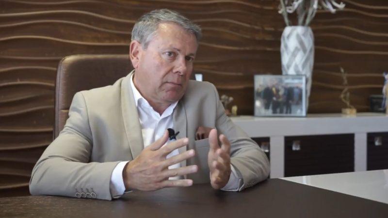 Μιχάλης Βλατάκης, τουλάχιστον διπλάσια τα αεροπορικά τέλη στο Καστέλλι