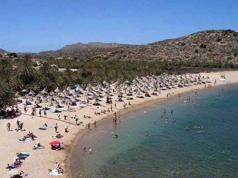 η παραλία στο Βάι το καλοκαίρι