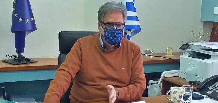 ο Αντώνης Ζερβός, κρούει τον κώδωνα του κινδύνου για τη πανδημία