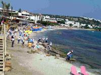 Οι πιτσιρικάδες στη παραλία