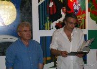 από τα εγκαίνια της έκθεσης, Μανώλης Θραψανιώτης (αριστερά), Γιώργος Σάρδης