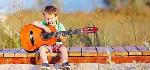 """""""Παιδικά τραγούδια"""" ή """"Τραγούδια για παιδιά"""""""
