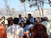 Ο κ. Δρετάκης εξηγεί στα παιδιά