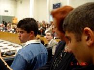Η Υπουργ. Παιδείας ανάμεσα στους μαθητές του ΕΕΕΕΚ