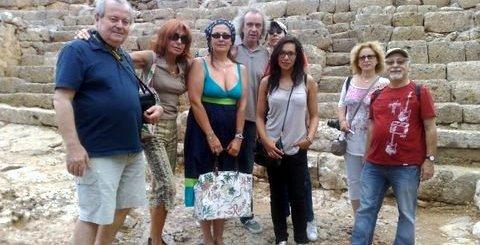 οι Γάλλοι δημοσιογράφοι στη Λατώ