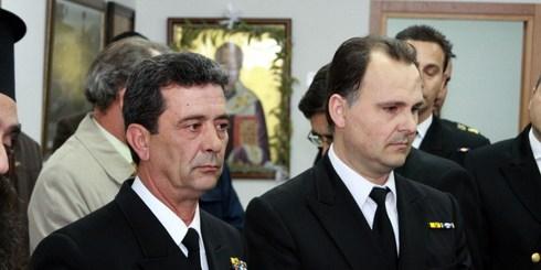 από τη τελετή, αριστερά: Γιάννης Μελισσουργάκης, δεξιά ο νέος λιμενάρχης Σπύρος Αγγελάκης