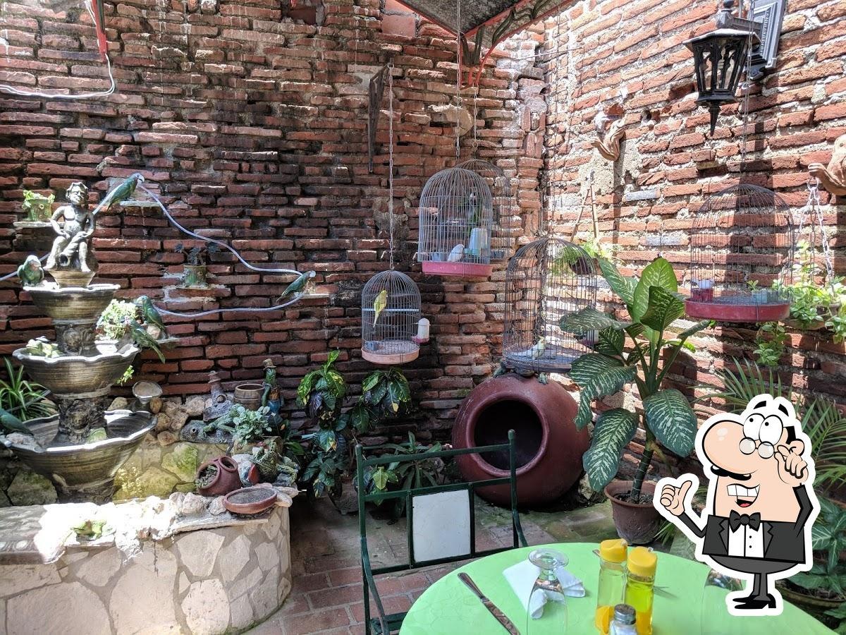 restaurant el patio camaguey