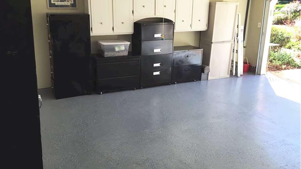 Like done Rust-Oleum Epoxy Garage floor paint