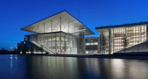 Ένα πολιτιστικό «στολίδι» μονάκριβο μα και εύθραυστο: Η νέα Βιβλιοθήκη και η νέα Εθνική Λυρική Σκηνή στο φαληρικό Δέλτα