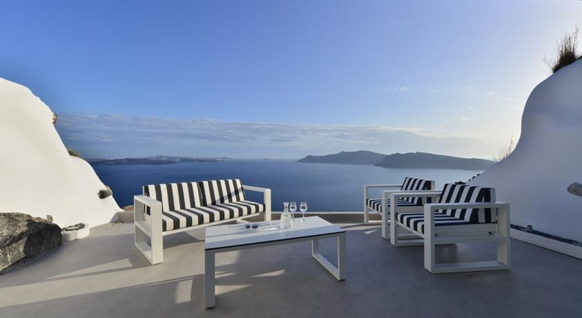 MYTHIQUE VILLAS SUITES SANTORINI