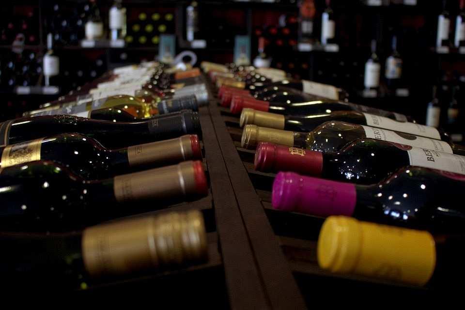 şarap şişeleri