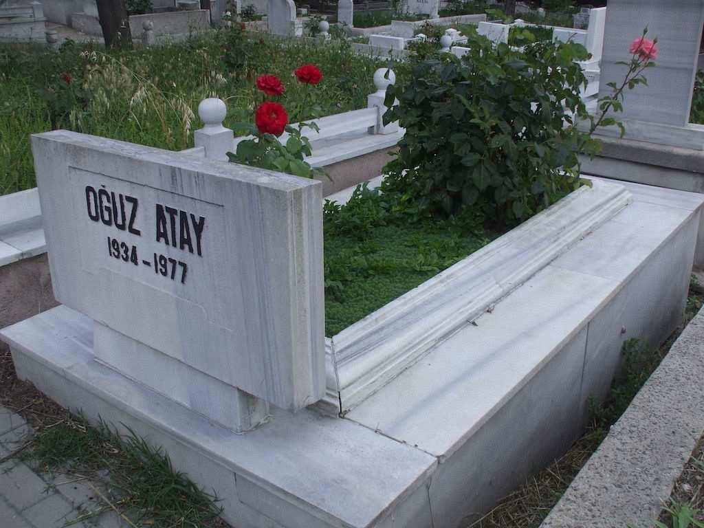 oğuz atay mezarlık