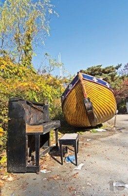 Urban Exploration Korea - Abandoned piano