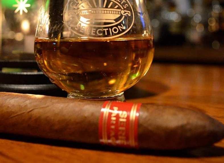 burn-in-hal-cigar-lounge-cigar
