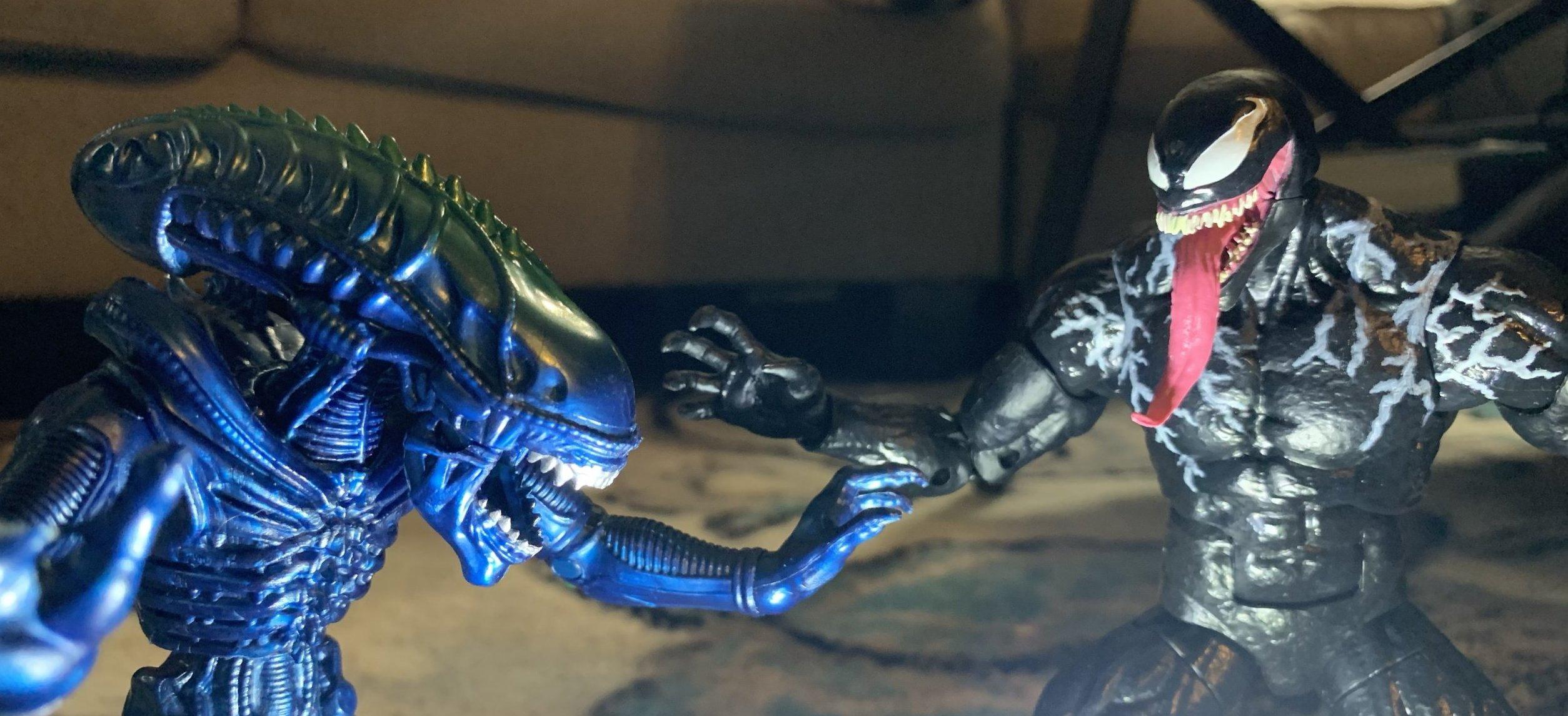 Lanard Toys Alien Warrior Xeno and Hasbro Marvel Legends Venom