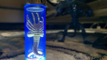 Lanard Toys Alien Warrior Xenomorph and Facehugger lit up