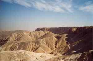 Valley_of_Kings,_Luxor_Egypt_2003