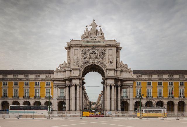 Most Famous Man-Made Arches: Rua Augusta Arch, Lisbon