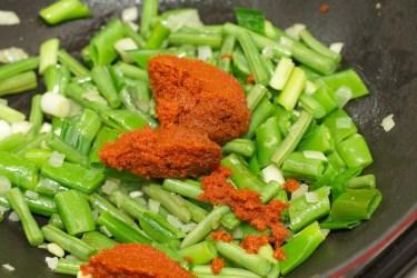 Gele curry met groene groente 20