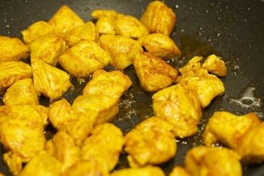 Gele curry met groene groente 32