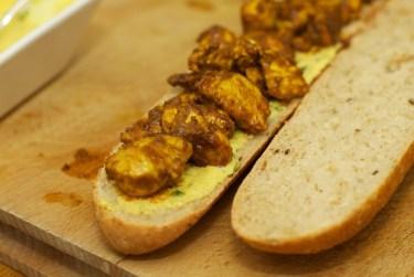 Stokbrood met kip en gele curry 35