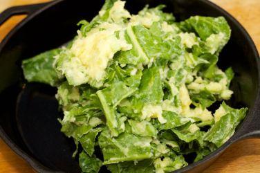 Snijbieten-stamppot met groente-jus en worstje 38