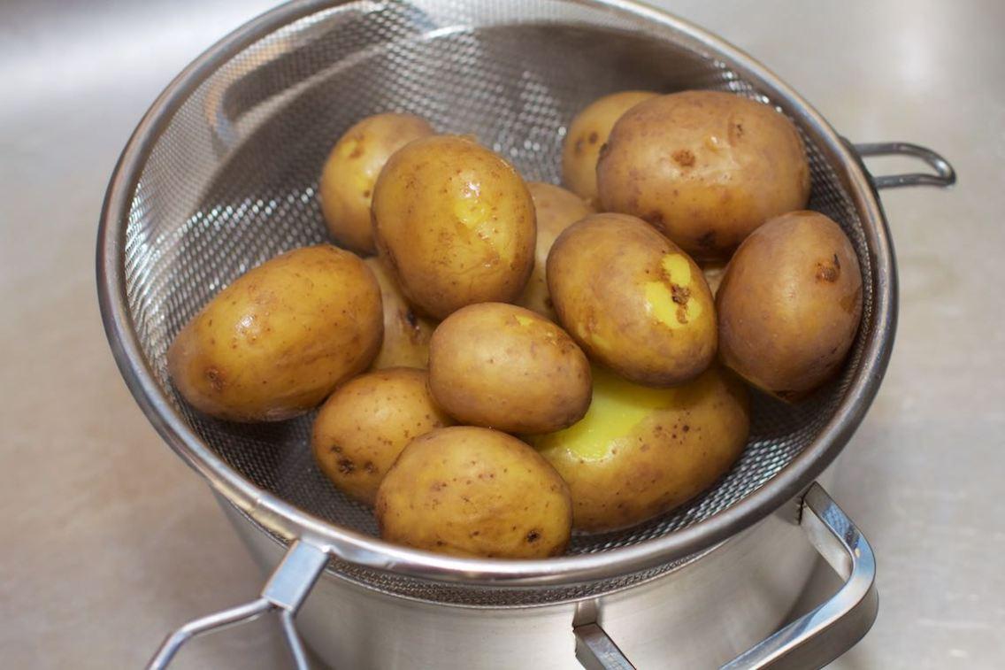 Platgeslagen aardappel 23