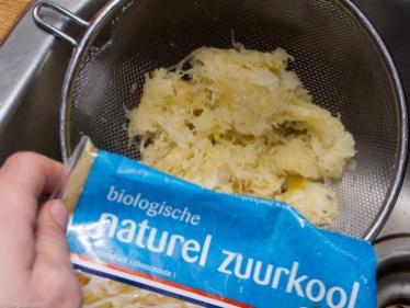 Flammkuchen met zuurkool en rookworst-25