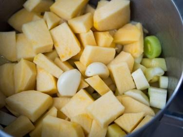 Wintersoep met koolraap, pastinaak, prei en aardappel-20