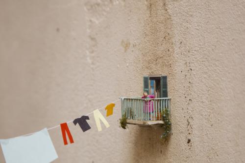 via Little People - A tiny street art project