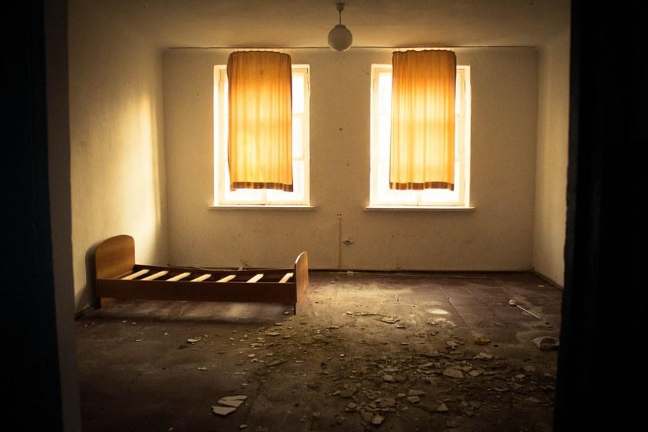 孤独死について考える。もし賃借人が孤独死したらどう動きますか?