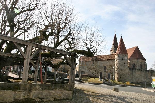 Die Wehrkirche in Effeltrich
