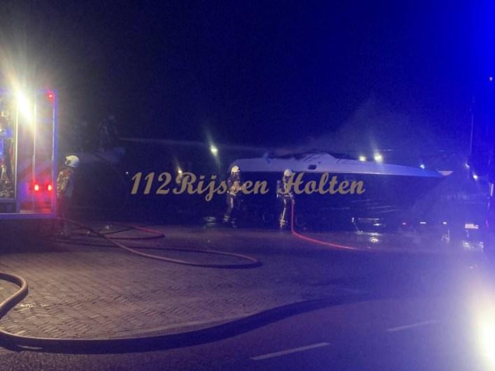 Vriezenveen- brand scheepvaart Wierdenseweg