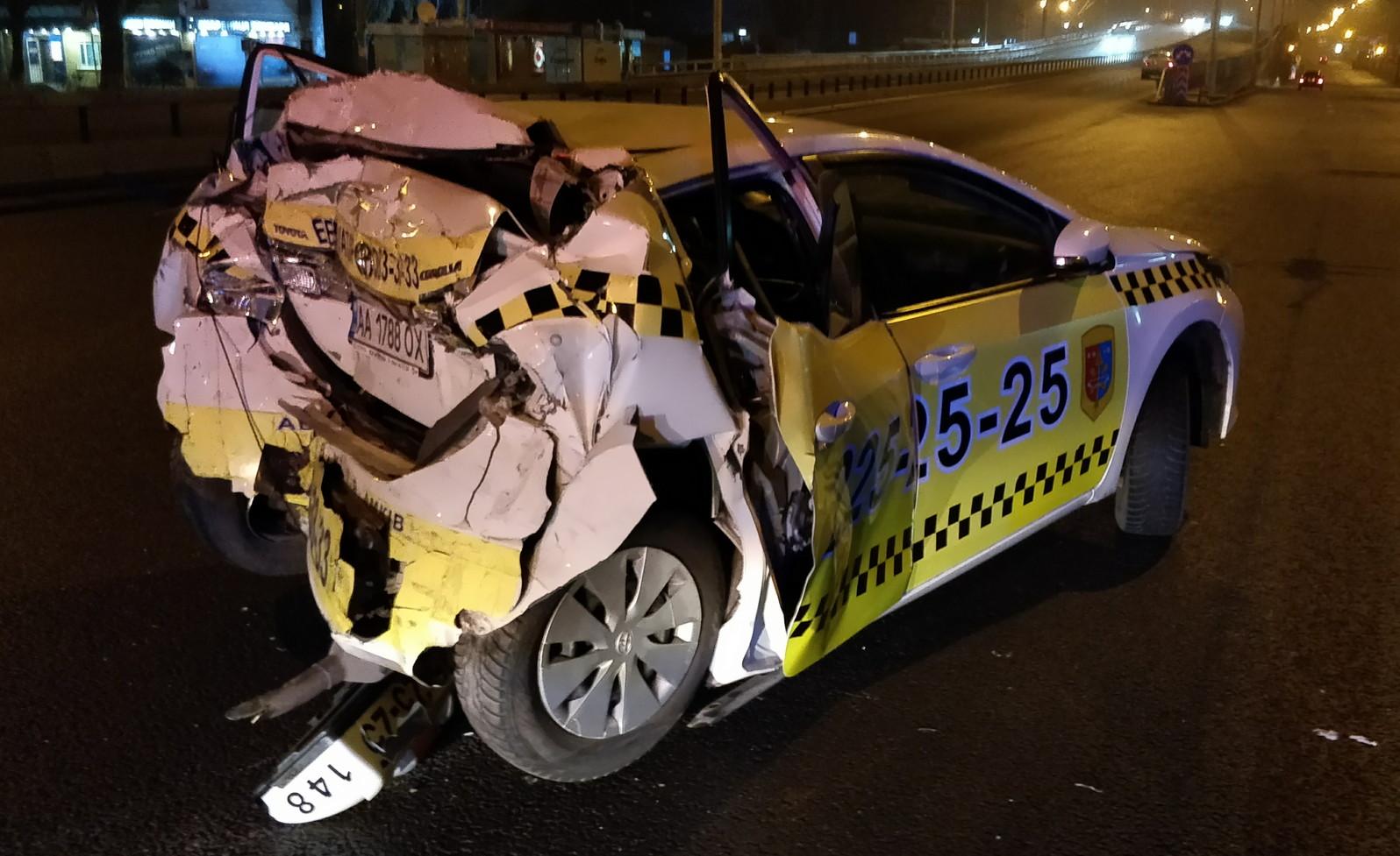 Dronken vrachtwagenchauffeur veroorzaakt ernstig ongeval nadat politie hem laat gaan in Kiev.