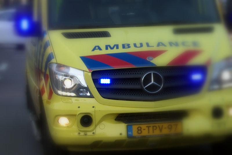 Twee gewonden bij frontale aanrijding met vrachtauto.