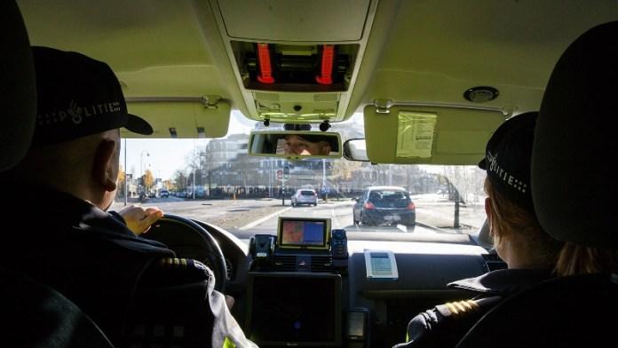 agenten in dienstauto