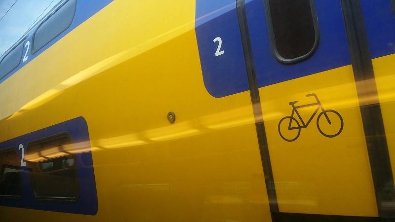 Voetganger overleden na aanrijding met trein.