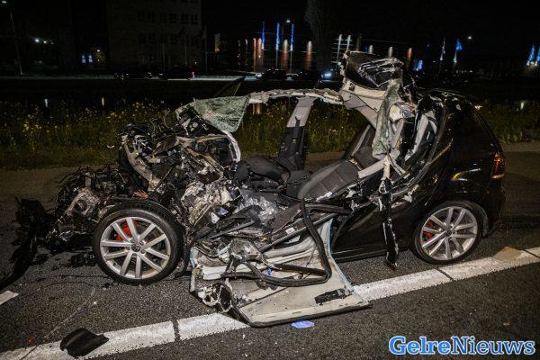 Auto opengescheurd bij ernstig ongeval A73.
