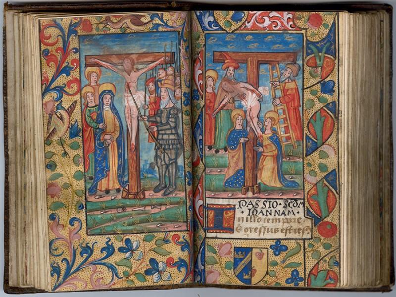 Manuscrit MS 3907, passionnaire et hymnaire du XVIe siècle, comportant 28 miniatures. Ici Jésus transpercé par la lance et la descente de croix. Médiathèque du Grand Troyes, photo P. Jacquinot