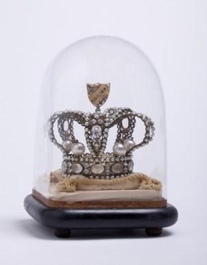 Couronne de la Reine de la bonneterie (Renée Kuntz), 1909. N° inv. MB 6032-01. Collection Musée de la bonneterie. Photo copyright D. Vogel, Musée de la Bonneterie, Ville de Troyes.