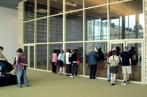 La façade de la Grande Salle est située à côté de l'espace Presse, sur la gauche en entrant dans la Médiathèque. Photo Médiathèque de Troyes Champagne Métropole