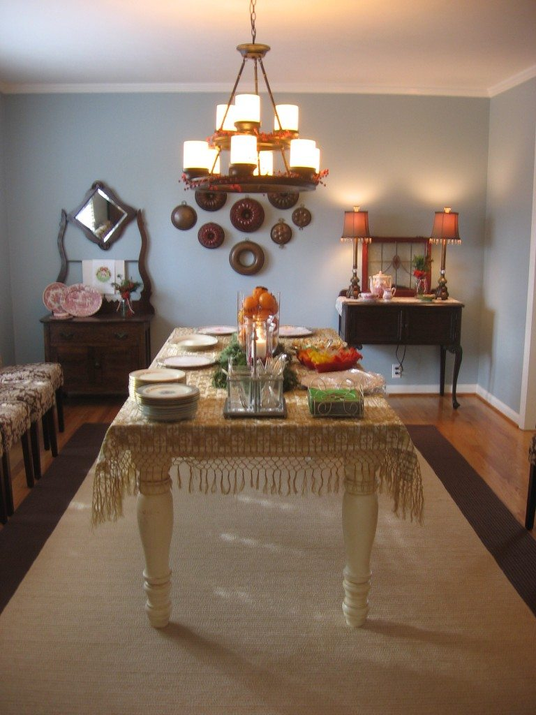 holiday tour dining room