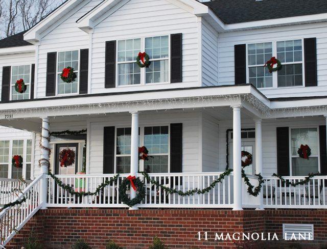 Outdoor Christmas porch decor