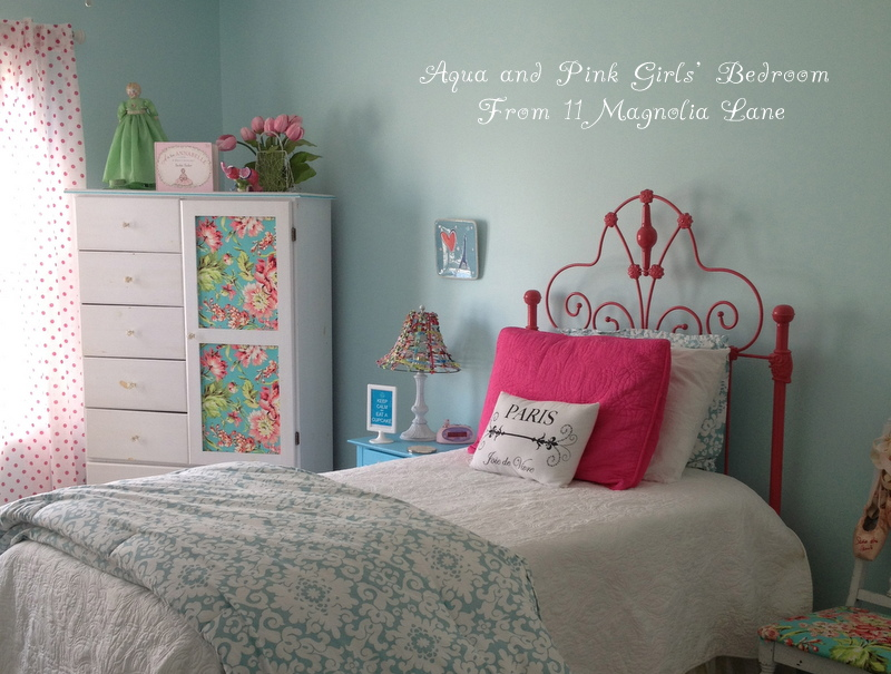 Aqua and pink girls bedroom