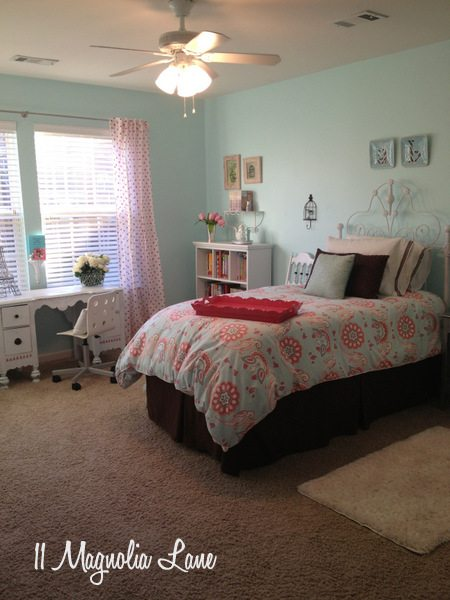 Tween girl's room in aqua, brown, and pink at 11 Magnolia Lane