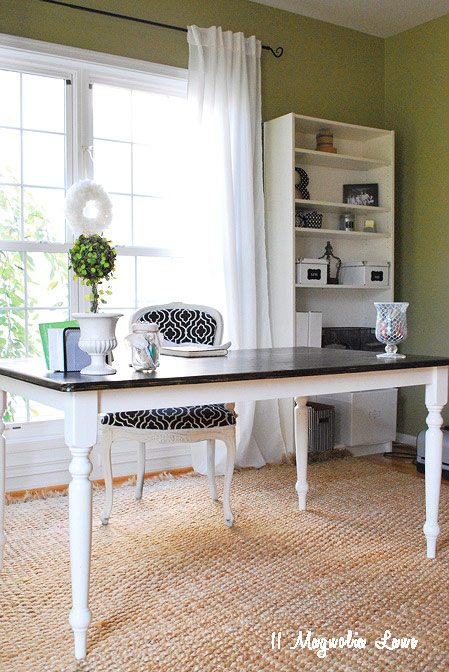 office-desk-chair-black-white
