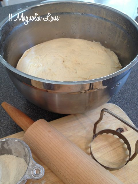 roll dough rising
