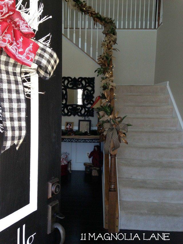 Burlap_Garland_Foyer_Stairs